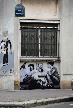 street art in paris by levalet (22)