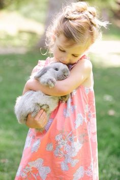 Every(bunny) needs a furry friend! Animals For Kids, Baby Animals, Cute Animals, Precious Children, Beautiful Children, Baby Kind, Baby Love, Cute Kids, Cute Babies