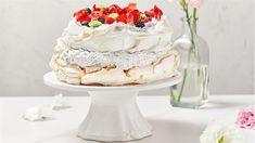 Wegański tort bezowy - poznaj najlepszy przepis. ⭐ Sprawdź składniki i instrukcje na KuchniaLidla.pl! Pavlova, Vanilla Cake, Vegan, Pastries, Vegans