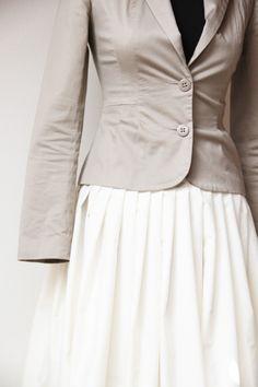 Kolová smetanová sukně Sewing Tips, Sewing Hacks, Cloths, Women, Vestidos, Casual Clothes, Drop Cloths, Fabrics, Clothes
