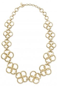 A conservative yet chic essential classic chain link necklace in beautiful matte gold.