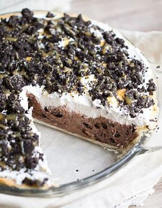 Cookies + Cream Chocolate Pudding Pie.
