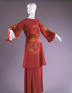 * Dress silk 1925–28 Sarah Lipska (1882–1973) vintage fashion style museum quality tunic blouse skirt red rust embroidered long skirt ethic boho asian wide sleeves silk floral transition designer