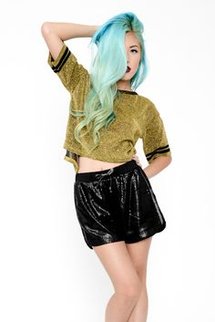 Sparkly Sport Cropped Tee - Gold #mintyjungle