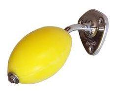 Un souvenir d'enfance qu'on installerait bien dans notre petite salle de bain ! #inspiration #bonjourbibiche #yellow
