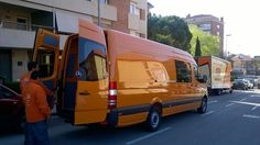 En unos días al servicio de nuestros clientes, ahora toca rotularla en Sanju. www.transporte-de-pianos.com Tel. 93 161 35 00