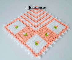 Emoji, Pot Holders, Diy And Crafts, Crochet Tablecloth, Table Toppers, Hot Pads, Potholders, The Emoji, Emoticon