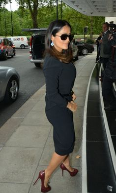 """Salma Hayek entering The Dorchester Hotel,london"" --love what shes wearing.  An example of the difference  between fashion sense and having style"