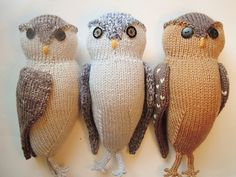 Owls by Sara Elizabeth Kellner of Rabbit Hole Knits on Ravelry! Gorgeous. Can't wait to make some!