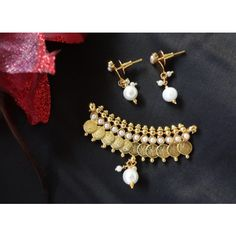 Mangalsutra Pendant with Earrings (Pearl)