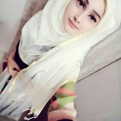 Beautiful Hijab Girl, Beautiful Muslim Women, Beautiful Girl Image, Beautiful Hands, Simply Beautiful, Hijabi Girl, Girl Hijab, Stylish Girl Images, Stylish Girl Pic