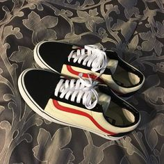 8 Essential Clothing Pieces You Should Get for Every Year Latest Summer Shoes Collection. Lovely Look & design. The Best of footwear in Air Jordan, Design Your Own Shoes, Custom Vans Shoes, Reebok, Brooklyn Style, Cool Vans, Nba, Sock Shoes, Shoe Collection