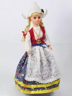 Antiga Boneca Susi Trajes Típicos Holandesa Estrela Anos 70 - R$ 3.000,00 em Mercado Livre
