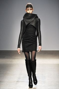 Gareth Pugh Fall 2010 Ready-to-Wear Fashion Show - Anna Selezneva (SILENT)