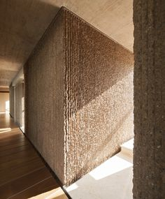 World Architecture Community News - Fuensanta House:A House Between Party Walls by Muka Arquitectura Concrete Architecture, Architecture Details, Interior Architecture, Contemporary Architecture, Interior Walls, Interior And Exterior, Interior Design, Textures Murales, Wall Design