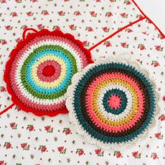 Round, Scallop Trim Crochet Potholders - Cottage Stitches Shop Cath Kidston Style