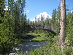 and this one too.... pinned as yellowstone, does anyone know where THIS is?