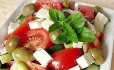 Najlepší grécky šalát | Božské recepty Caprese Salad, Fruit Salad, Eclairs, Food, Cukor, Drink, Fruit Salads, Beverage, Eten