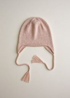 Ravelry: Top-Down Ear Flap Hat pattern by Purl Soho Baby Hat Knitting Patterns Free, Baby Cardigan Knitting Pattern, Baby Hat Patterns, Baby Hats Knitting, Free Knitting, Knit Patterns, Free Pattern, Newborn Knit Hat, Newborn Hats