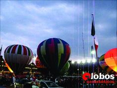 Festival de Globos en el Zócalo Capitalino. 10 globos, escenario de espectáculos, más de 70 mil asistentes. Informes: ana@globosaerostaticosmexico.com
