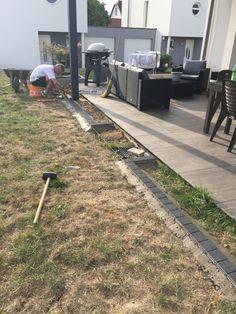 Landscaping Jobs, Front Yard Landscaping, Rustic Gardens, Outdoor Gardens, Patio Design, Garden Design, Deck Enclosures, Yard Edging, Sloped Garden