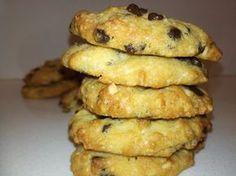 Η συνταγή που έγινε λατρεία. Αν φάτε αυτά τα cookies θα ξεχάσετε όλα τα προηγούμενα. Ο μόνος που μπορεί να φάει μόνο ένα είναι αυτός που θα φάει το τελευταίο....  ΥΛΙΚΑ (Για 30 περίπου cookies)  1 συσκευασία Cake Cookies, Cupcake Cakes, Jam Tarts, Cooking Cookies, Cookie Tutorials, Chocolate Sweets, Appetisers, Pavlova, Greek Recipes