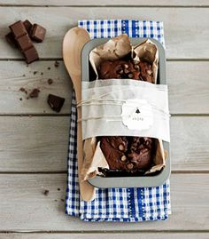 DIY - Cake in a Tin and gift packaging idea