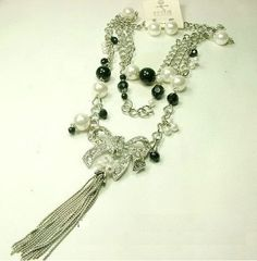 HUGE JEWELRY SALE! #Rozeejee-White and Black Pearl Crystal Crystal Bow Necklace Earring & Set $3.00 NEW #Rozeejee