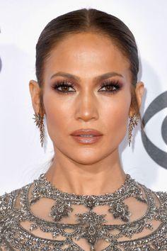 Red Carpet Makeup Look Picture Description Jennifer Lopez Jennifer Lopez Sans Maquillage, Maquillaje Jennifer Lopez, Jennifer Lopez Makeup, Jlo Makeup, Beauty Makeup, Hair Makeup, Make Up Looks, Maquillage Jlo, Bridal Makeup