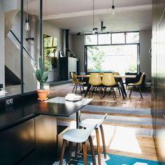 Una casa decorada con aire cosmopolita