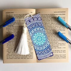 Mandala bookmark Double side drawing Hand drawing Size of this bookmark is : cm / If you have more questions please feel free to contact me Mandala Book, Mandala Art Lesson, Mandala Doodle, Mandala Artwork, Doodle Art Drawing, Cool Art Drawings, Mandala Drawing, Zentangle Drawings, Zentangles