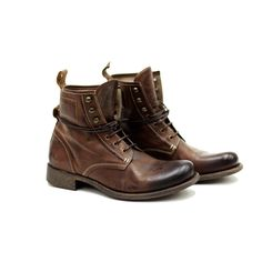Men's Walker Brown boots. I want these boots now