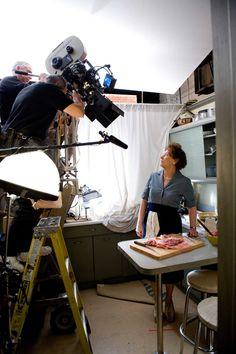 Meryl Streep as Julia Child on the set of  'Julie & Julia'. Director: Nora Ephron (2009).