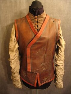 09018548 Doublet Brown Leather, Cotton Sleeves, C40.JPG
