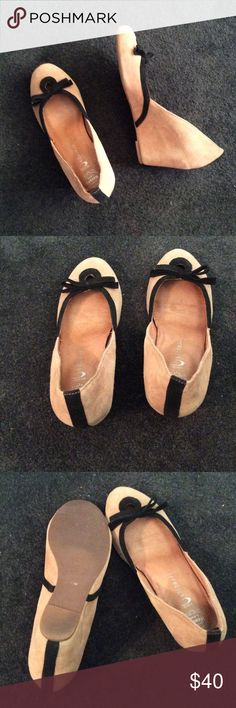 Wedges Women's tan and black Jeffery Campbell suede wedge shoes! Very comfortable and great with business attire or for a night out! Size is 7.5 and we're barely worn. Jeffrey Campbell Shoes Wedges