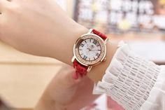 When you think of distinction and class in a watch, you picture a nice piece that glows and looks pretty chic. This is exactly what this gorgeous watch offers. Leather Box, Quartz Watch, How To Look Pretty, Michael Kors Watch, Gold Watch, Rose Gold, Womens Fashion, Casual, Women's Watches