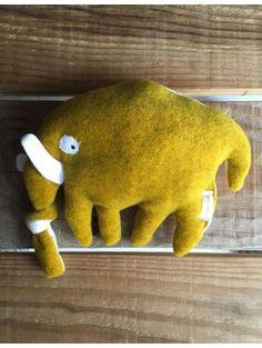 Doudou bigoût moutarde