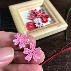 桜風に仕上げてみたい( 0w0)ノ #Cherry tree #sakura #paperquiling #paperflowers #桜 #ピンク色 #クイリング #小さな花 # #紙の花 #春だね #ペーパーフラワー #ペーパークラフト