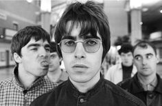 Read the complete, sordid history (so far) of Oasis brothers Liam and Noel Gallagher& bitter sibling rivalry. Noel Gallagher, Liam Gallagher Oasis, Oasis Band, Oasis Brothers, Banda Oasis, Liam Oasis, Oasis Live, Liam And Noel, Movies