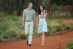 Kate Middleton Photos: The Royal Couple Visits Ayers Rock — Part 5
