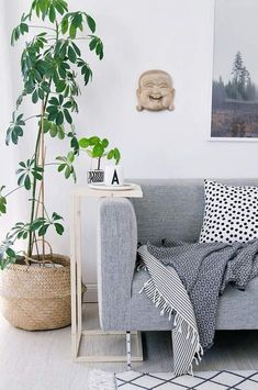 Salon de style scandinave aux couleurs neutres