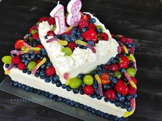 Raspberrybrunette: Ovocná torta so smotanovo-tvarohovou plnkou
