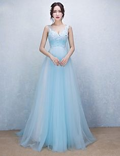 Formal Evening Dress A-line V-neck Sweep / Brush Train Tulle with Appliques / Beading – CAD $ 166.79