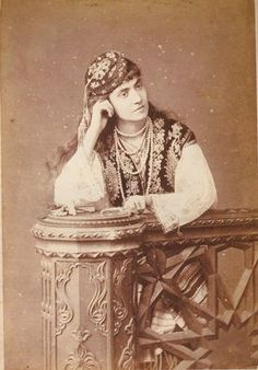 Portrait of a Greek ('Rum') woman from Istanbul, late-Ottoman era, ca. Greek Traditional Dress, Traditional Outfits, Crimean Tatars, Ancient Greek City, Empire Ottoman, Costumes Around The World, Greek Beauty, Old Portraits, Greek History