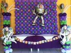 Buzz light year balloon decor by globos chasty Toy Story Birthday, Toy Story Party, Boy Birthday, Birthday Parties, Birthday Ideas, Balloon Toys, Balloon Wall, Balloon Party, Buzz Lightyear