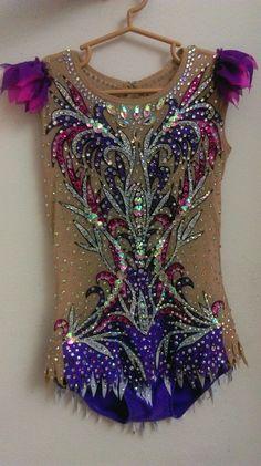 Gymnastics Costumes, Rhythmic Gymnastics Leotards, Dance Costumes, Purple Leotard, Gymnastics Photography, Synchronized Swimming, Figure Skating Dresses, Vaulting, Dance Dresses