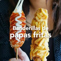 La baderilla más deliciosa del mundo debe tener papas fritas y mucho queso. Food Truck Menu, Food Menu, Hot Dog Recipes, Good Food, Yummy Food, Corn Dogs, Cafe Food, Food Cravings, Food Dishes