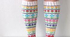 Toinen Knit along -projektikin valmistui.   Näihin kirjoneulesukkiin ilmestyi ohjeenpätkä aina aamuisin 1.-13.3. facebookin   sivuillani (... Socks, Fashion, Stockings, Moda, Fashion Styles, Sock, Fashion Illustrations, Boot Socks, Hosiery