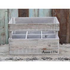 drewniana skrzynka z przegródkami na wino #wooden #box #wine #vintage