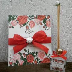 Convite chá de cozinha floral para a Bia junto com aromatizador #aromatizador #chadecozinha #noivas2016 #casamento #flores #lembrancinha #convite